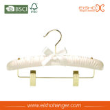 Bride de fixation de tissu complétée par satin avec des clips