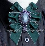 2018の方法女性または人の衣裳の絹製ネクタイのBowknotのブローチ(CB-09)のための高級なちょうネクタイのラインストーンのブローチ