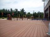 WPC Piscina piso parquet