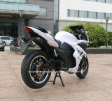 Горизонт мотоцикла большой силы электрический участвуя в гонке