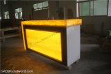 レストランの現代デザインのためのLEDライトが付いている棒カウンター