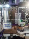 De machines van Drillling en van het Malen met CNC de Machine van de Router om de Deur en de Benen van het Meubilair van de Houtbewerking Te maken