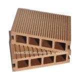 Plancher composé en plastique en bois en gros d'usine