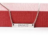 """Colar bonito gravada letra da barra da colar do pendente de """"Badass"""" do metal para o presente da jóia"""