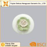 Frasco de perfume cerâmico vitrificado branco com o tampão da flor para a venda