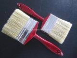 Pinceau blanc de brin avec le traitement en bois rouge