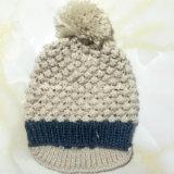 100% Lã da Islândia, Hand Made Moda Crocheted Chapéu das mulheres com Pompon / Peak / Fleece