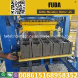 Máquina de bloqueio do tijolo manual do bloco Qt4-24 na máquina de fatura de tijolo de Accra em Ghana
