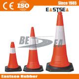 赤いカラー黒ベースプラスチックPEの道路交通の円錐形
