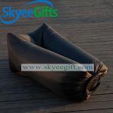 安いバナナの整形屋外の携帯用空気ソファー