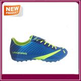 Chaussures extérieures du football de couleurs rouge-clair