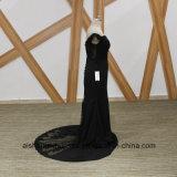 Schwarze Nixe-Brautjunfer kleidet eleganter Boots-Stutzen gebördeltes Brautjunfer-Kleid
