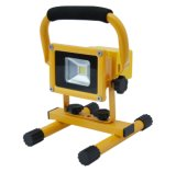 Emergency Situationの10W Rechargeable Portable USB LED Flood Light Used