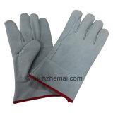 I guanti del lavoro del cuoio spaccato della mucca mettono il guanto in cortocircuito del lavoro della saldatura
