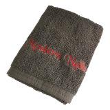 刺繍が付いている表面タオル