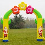 Arco Colourful del Babbo Natale della pubblicità per la celebrazione di natale
