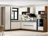 光沢度の高い白PVCはMDFの食器棚のドアに直面した