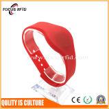 Wristband da amostra livre RFID com tamanho impresso e diferente do logotipo
