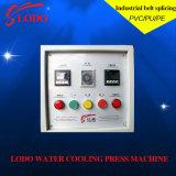 Holo-Wasser kühlte die heiße Presse-Maschine für leichten Riemen ab und vulkanisierte Presse