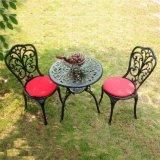 의자를 가진 정원 가구 옥외 식탁