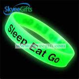 Glühen und Customized Silicone Wristband