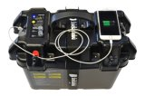 A bateria de pesca à linha externa elétrica nova do centro de potência do motor carreg a caixa para o barco