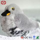 De kleurrijke Zachte Pluche van de Papegaai vulde het Populaire Stuk speelgoed van de Vogel