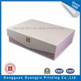 Caja de regalo rígida de papel de lujo de encargo con el modelo grabado en relieve
