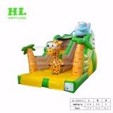 Summer Holiday에 있는 Kids Playing Sports Games를 위한 Colorful Cartoon Characters를 가진 유행 Jungle Inflatable Dry Slide