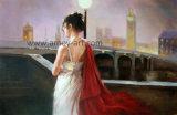 Bonita señorita de pie junto a la reproducción de obras de arte pintura Pino