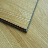Vinyle du système PVC de cliquetis de Lvt parquetant la vente chaude
