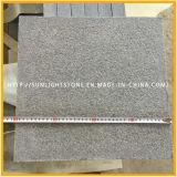 安く炎にあてられた及び磨かれたG654/Pandangの灰色の灰色の花こう岩の床タイル