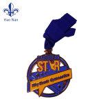 Broche populaires de haute qualité sur un design élégant insigne métallique/ Label broche