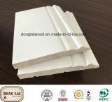 Modèle de châssis de belles moulures en bois