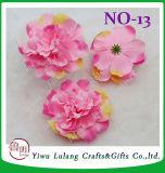 模倣された絹の布のシャクヤクによっては人工花の単一の頭状花が開花する