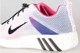 2017の新しい通気性の方法偶然のスポーツの靴