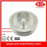 Pieza que trabaja a máquina de aluminio del CNC con los orificios Drilling