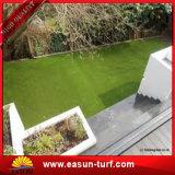 Hierba verde plástica del jardín artificial superventas del césped