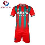 最新のデザインによって昇華させるカスタムスポーツ・ウェアの卸売の男子サッカーのユニフォームのジャージ