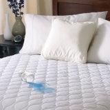 ホテルの病院の使用の防水Microfiberの満ちるマットレスの保護装置(JRD628)