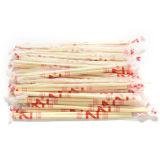Livellare le bacchette di bambù a gettare imballate con carte del commestibile