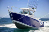 Barco de pesca bonito do barco da liga de alumínio no mar grande