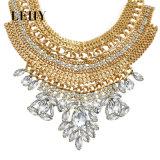 贅沢で優雅で大きい水晶ラインストーン文のチョークバルブのネックレス