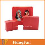 Caja de regalo de bodas y bolsa de papel