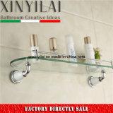 Étagère en verre simple avec chrome et peinture d'accessoires de salle de bain
