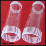 Tubo de cristal claro de cuarzo con los extremos del tornillo