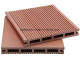 Revestimento laminado madeira do revestimento do vinil de WPC com acessórios