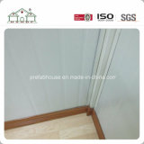 Dos capas del emparedado del envase de la casa prefabricada del edificio con el balcón