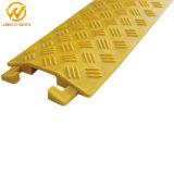 Piso de canal único amarelo Protector do Núcleo de Utilização no interior da rampa