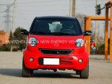 Piccola automobile elettrica di buona condizione con l'alta velocità